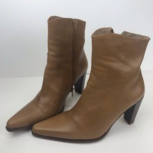 By Pass Spain Leather Ankle Boots